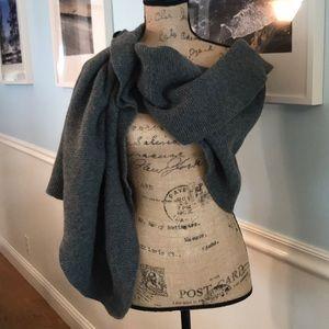Wool, warm, beautiful and stylish scarf by echo